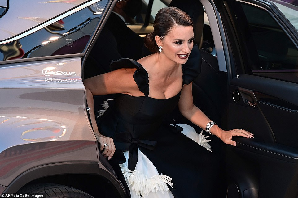 Here she is! Penlope made a typically glamorous arrival during the opening night of the 78thannual film festival