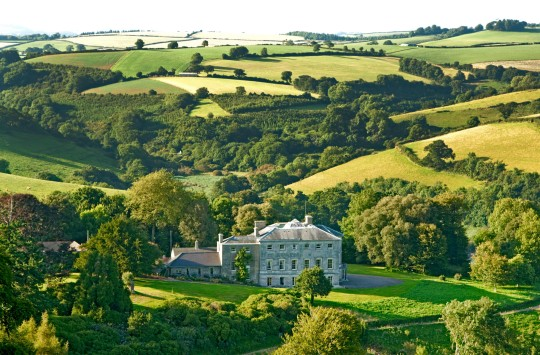 Estate, Sharpham, Europe, England Sharpham Trust Devon We hear a lot about mindfulness but if you don?t actually know where to start when it comes to practising it, this retreat for beginners will help. Expert guides will introduce you slowly to the practice of meditation, with sitting sessions, mindful walking and periods of silence. You?ll be able to connect with nature in the expansive, 550-acre grounds of Sharpham House, your base for the three-day stay. From ?345, sharphamtrust.org HY4RH6