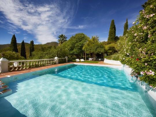 swimming pool at torre de tramores