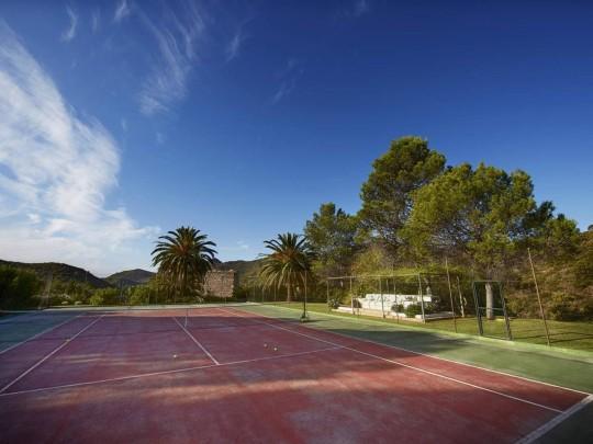 torre de tramores tennis court
