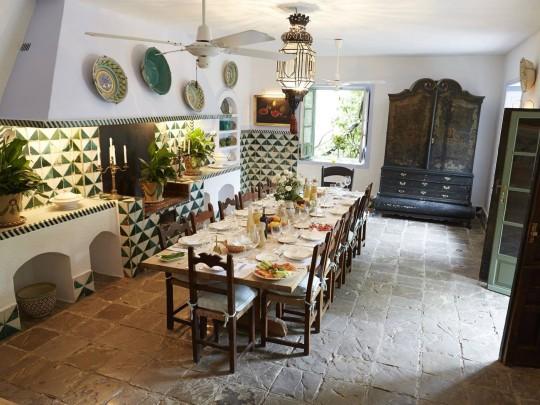 dining room in torre de tramores