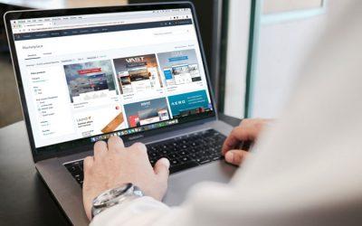 Ordinateur pour créer un site web d'entreprise