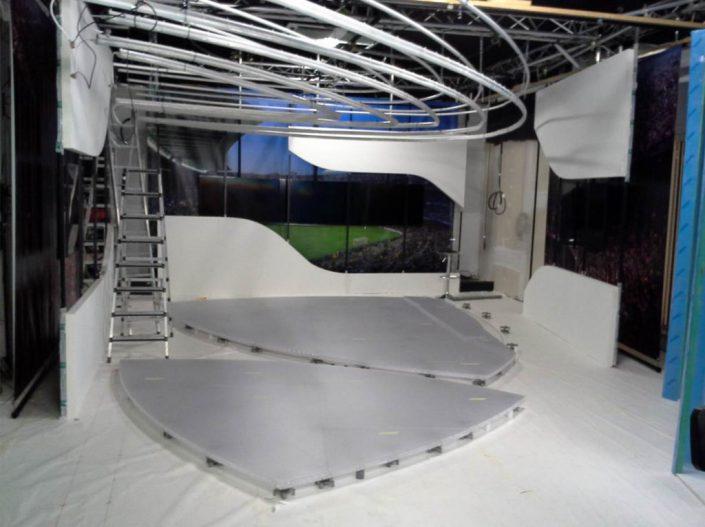 decors studio tv - Voo Foot studio2
