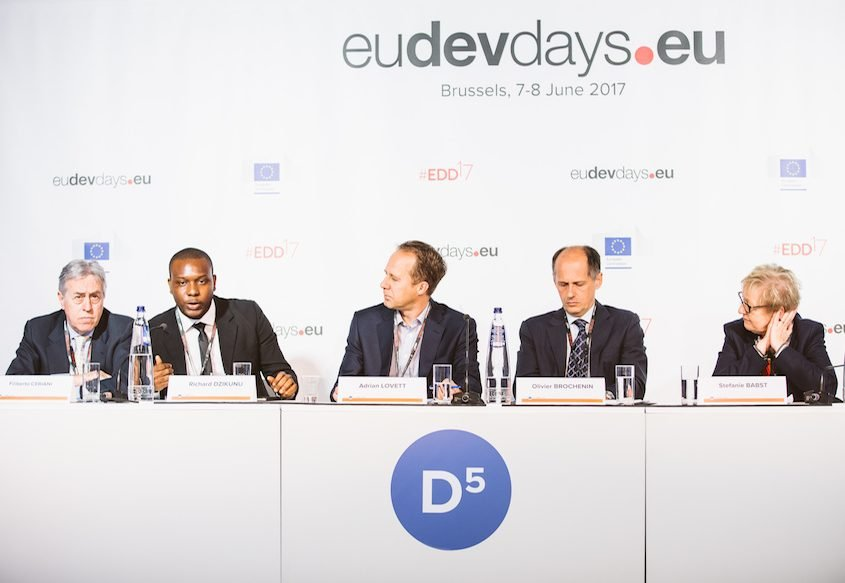 EDD17 backdrop and desk sign for all debate zone