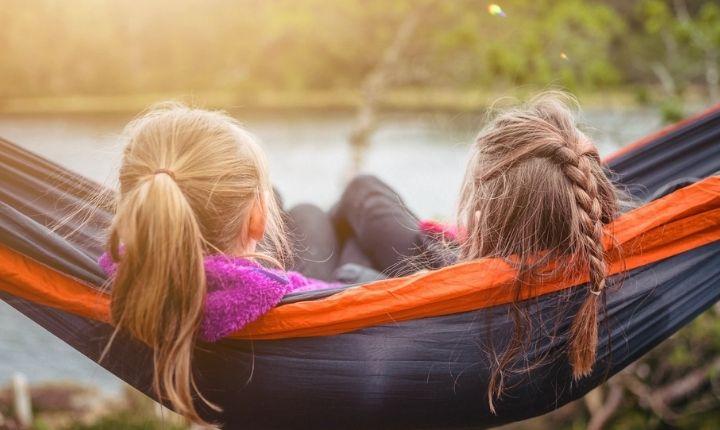tälta i naturen med barn