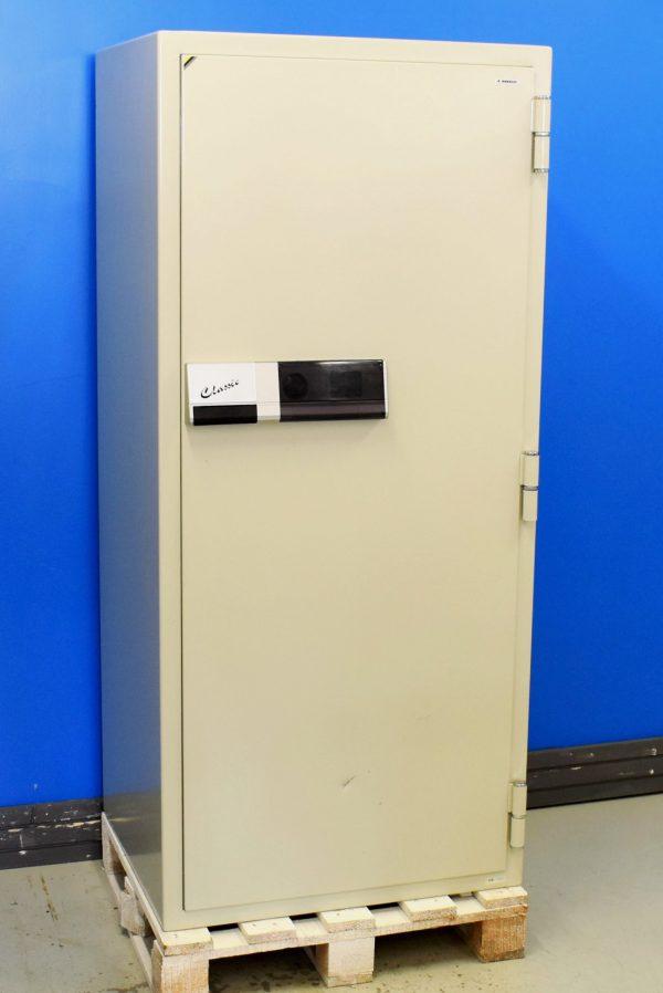 Begagnat dokumentskåp Nordsec 705 med stängd dörr