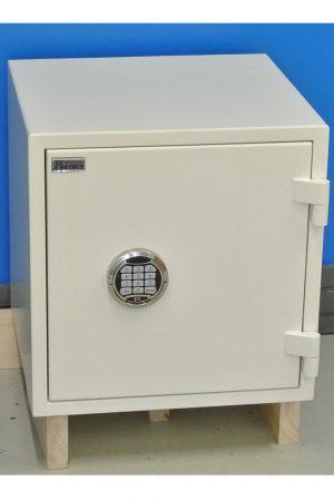 Nytt stöldskyddsskåp RBS2 460E med stängd dörr