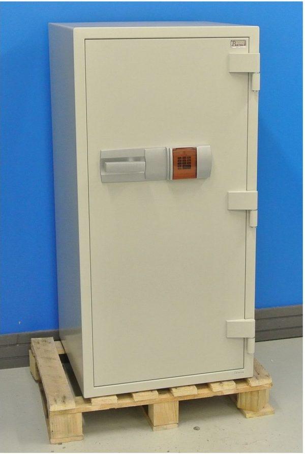 Nytt dokumentskåp DS130E med stängd dörr