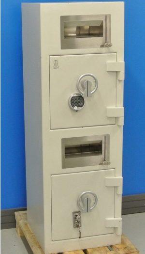 Begagnat Deponeringsskåp Robur D55 x 2 stängd dörr