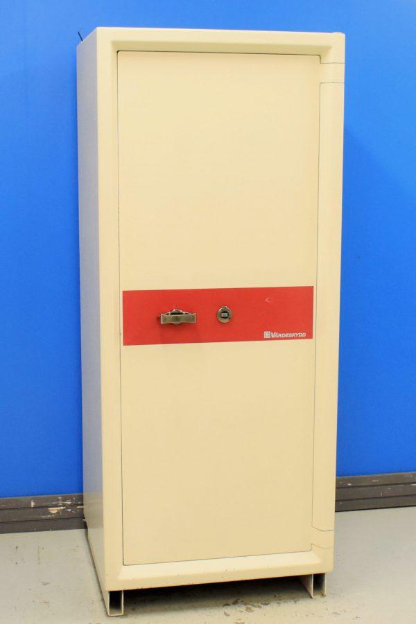 Begagnat värdeskåp Värdeskydd 240-1500 med stängd dörr
