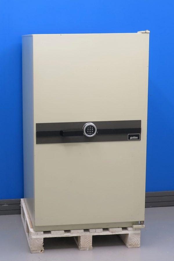 Begagnat-datamediaskap-Hadak-2200-med-stangd-dorr
