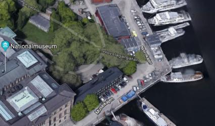 Sprängmassor från nya T-banetunneln till Nacka  ska fraktas ut från Blasieholmen.