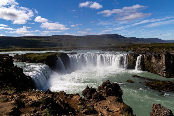 Island rundt i bus 2021