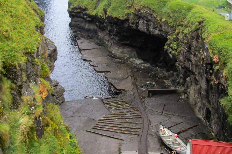 Rejser til Færøerne - Udflugter | Udflugt til Gjogv, som er et af de mest besøgte steder på Færøerne. North Travel