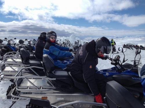 Snescooter på gletsjeren Langjökull