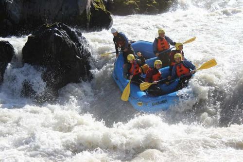 island-udflugter-riverrafting-bakkafloet-2