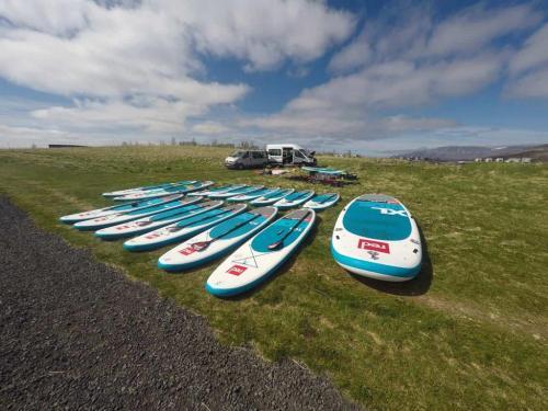 island-udflugter-sup-paddling-board-1