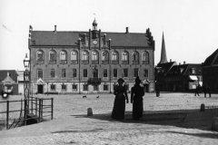 Nyborg Rådhus, se det tomme torv
