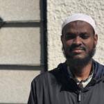 Porträtt på Imam Hussein i traditionell muslimsk klädsel.