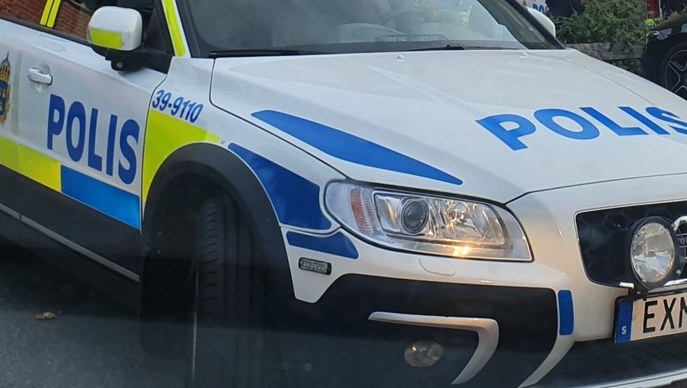 Polisbil i närbild
