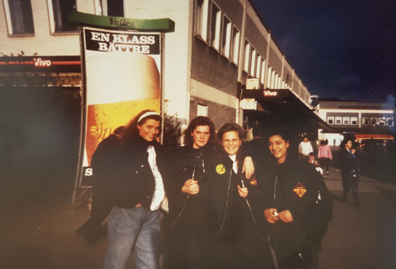 Ulrika Åkesdotter och vänner i Rinkeby för cirka 30 år sedan.