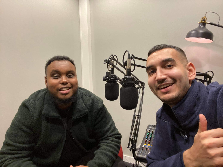 De två killarna i studion.