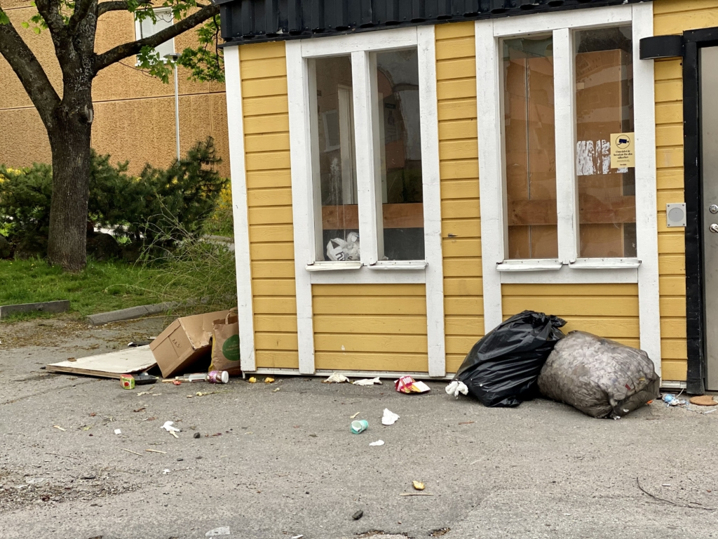 Sopor på Tönsbergsgatan i Husby.