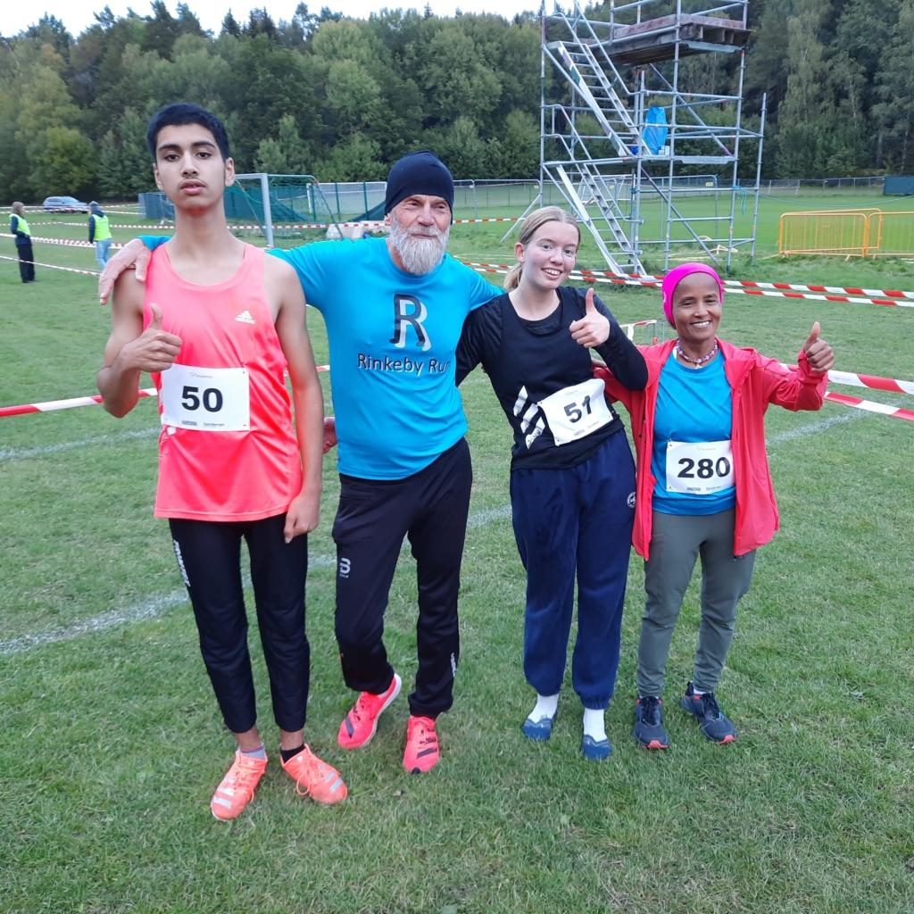 De fyra löparna från Rinkeby Run som vunnit.