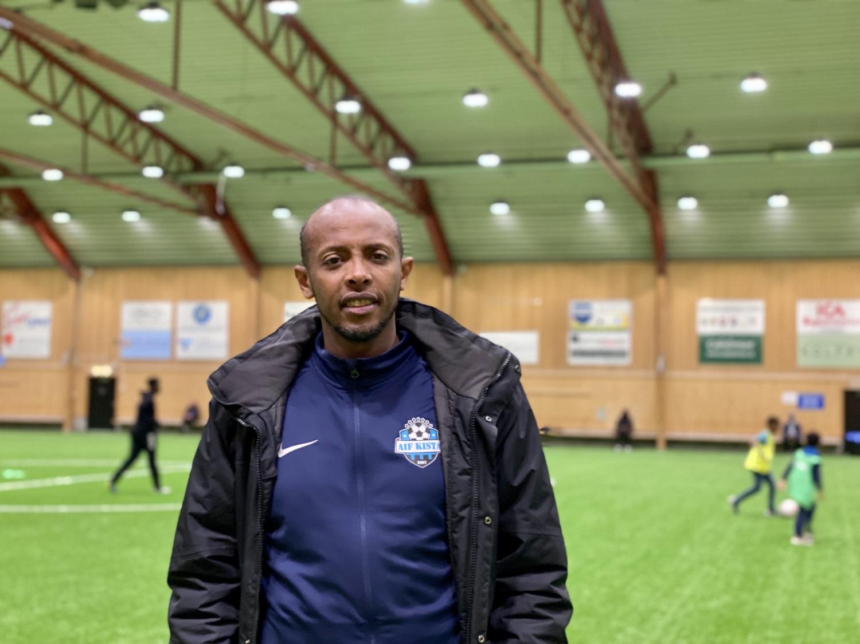 Foto på Said Ali i Spånga fotbollshall