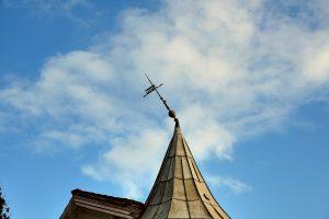 OPDATERET: Turistens tårn skadet af vinden