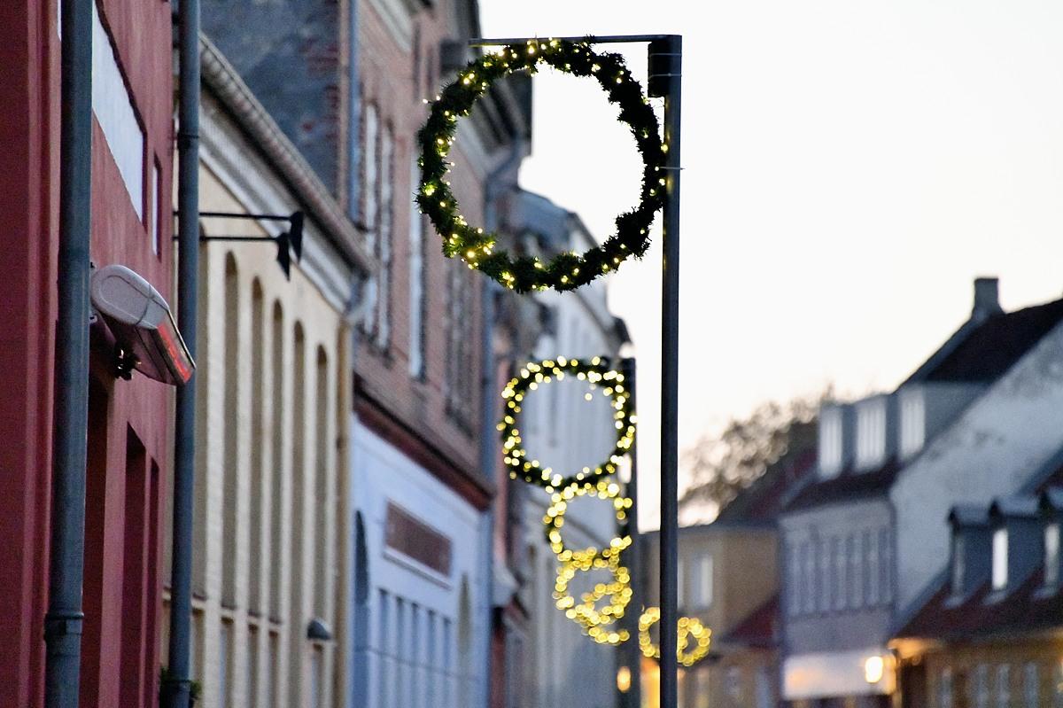 IGEN SØNDAG: Flere julekranse stjålet.