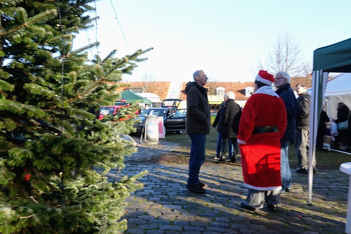Program for juletræstænding og julemarked i Nysted