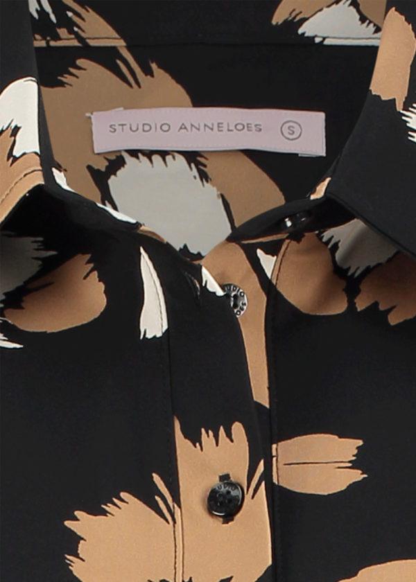 Studio Anneloes poppy flower shirt 3 4 black camel 04926 packshot close up