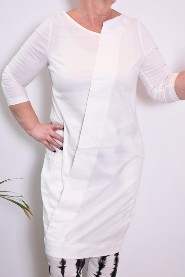 Elsewhere Fay Dress 20035 closeup