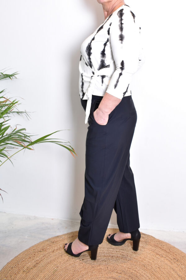 Elsewhere Julia Short cardigan 20045 zijkant