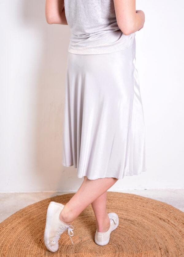 Emotions Skirt midi satin 221088 light grey achterkant