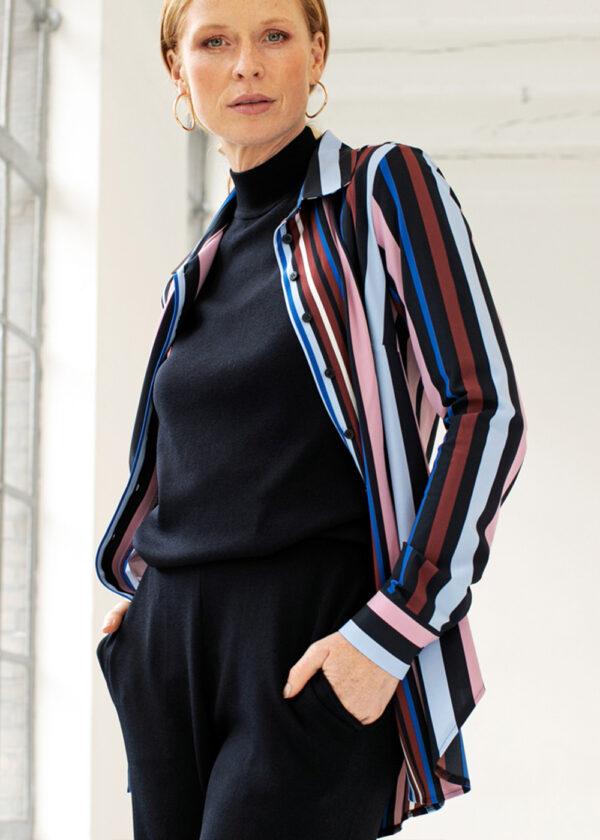 Studio Anneloes Poppy stripe blouse 05382-6968 model