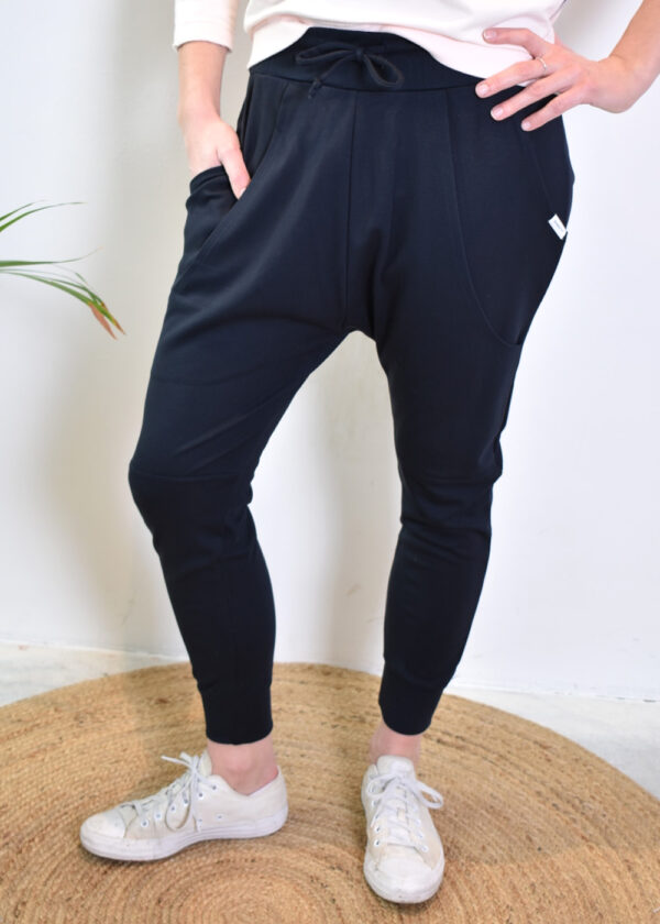 Penn & Ink S21T575 navy pants front