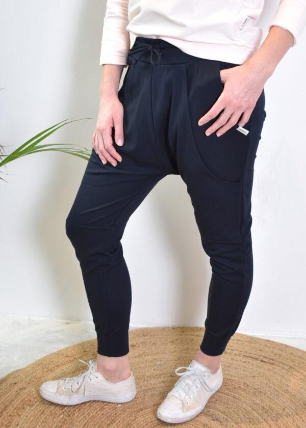 Penn & Ink S21T575 navy pants side