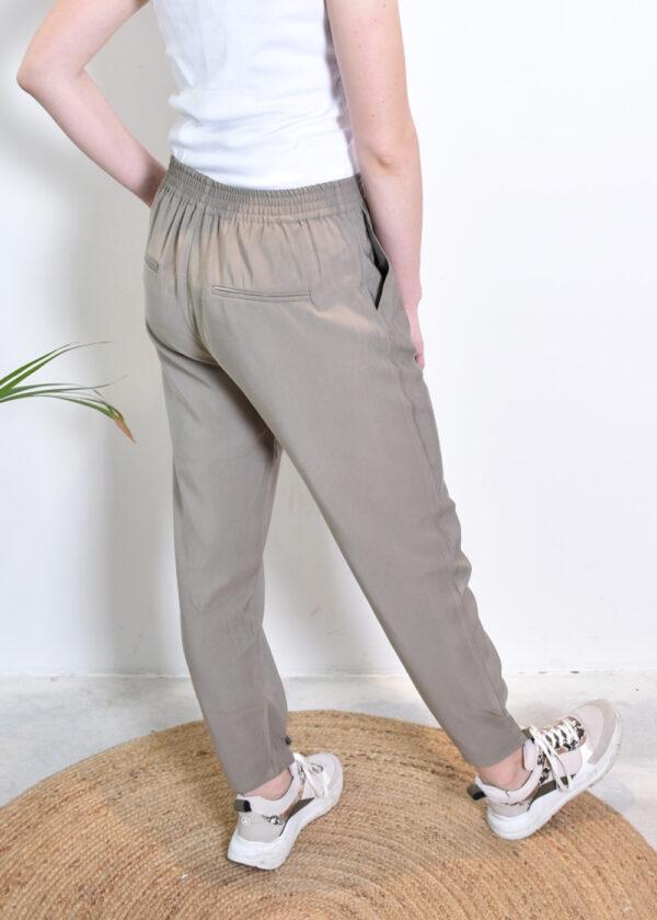 SR221-703 Francine ankle pants covert green model back