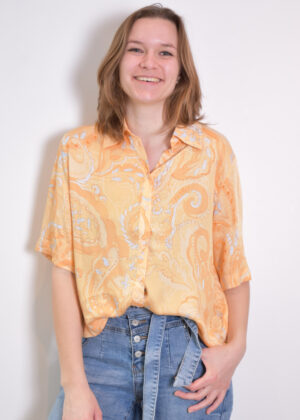 SR221-734 Pennie 2 4 shirt paisley print front model