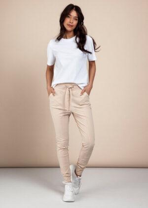 Studio Anneloes Franka 3.0 trousers sahara model 2