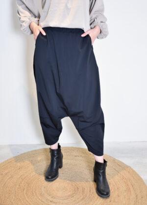 Elsewhere Louke low trouser 20157 black front