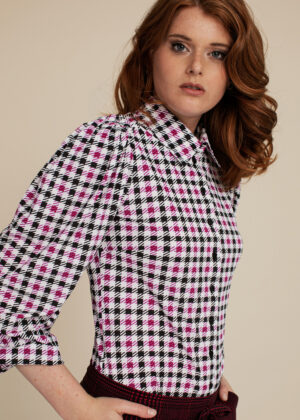 Studio Anneloes 06325-1137 Noah big check blouse off whit deep red model side