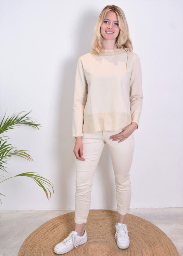 Milano Italy sweatshirt with woven collar and pockets 13-5213-8497-7 outfit
