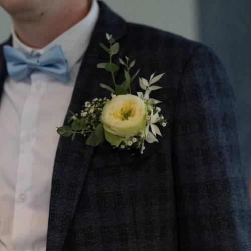 corsage-verse-bloemen-wit