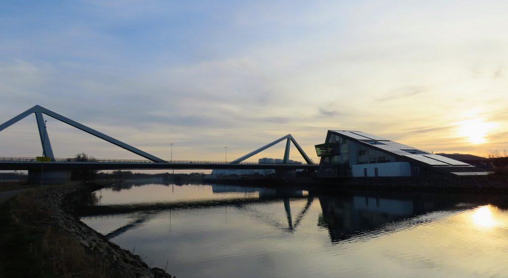 Odense Kanal  Odins Bro og 'kontroltårnet'