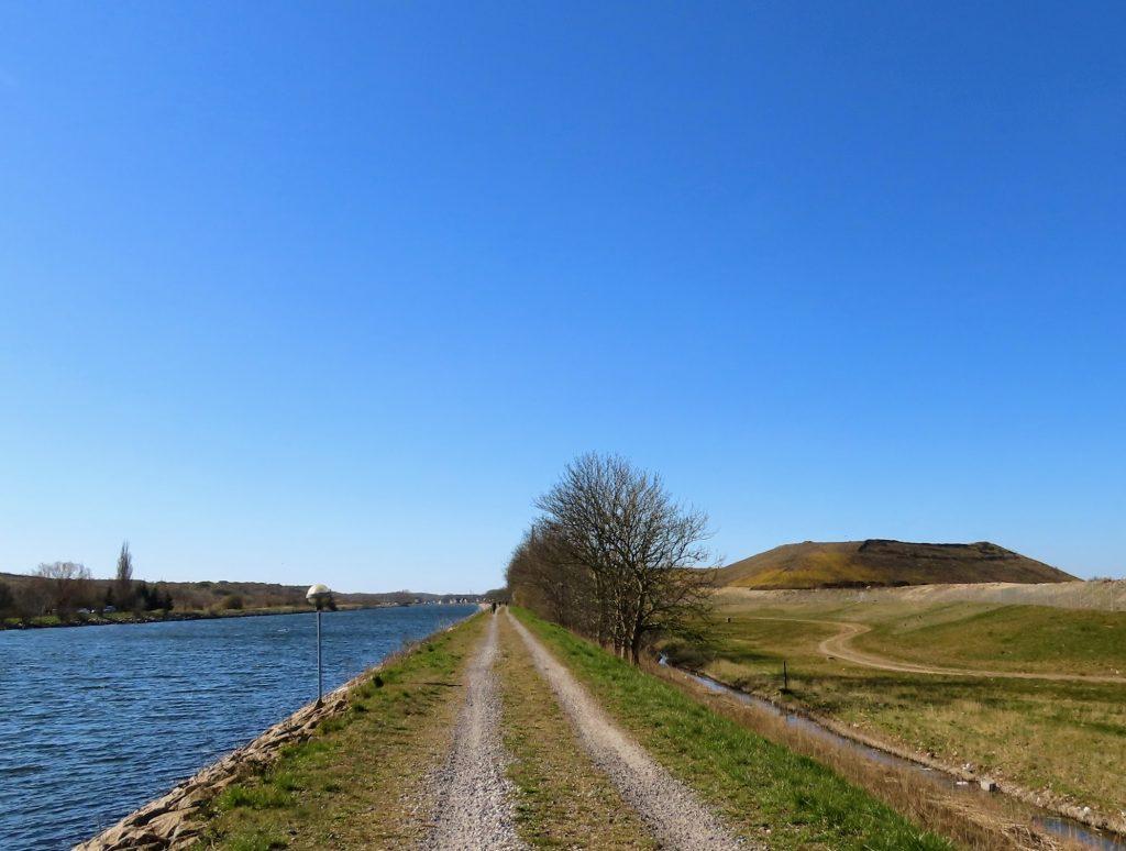 Odense Kanal - de grønne skraldebjerge