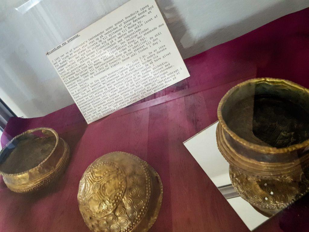 Avernakø - bronzealderskåle