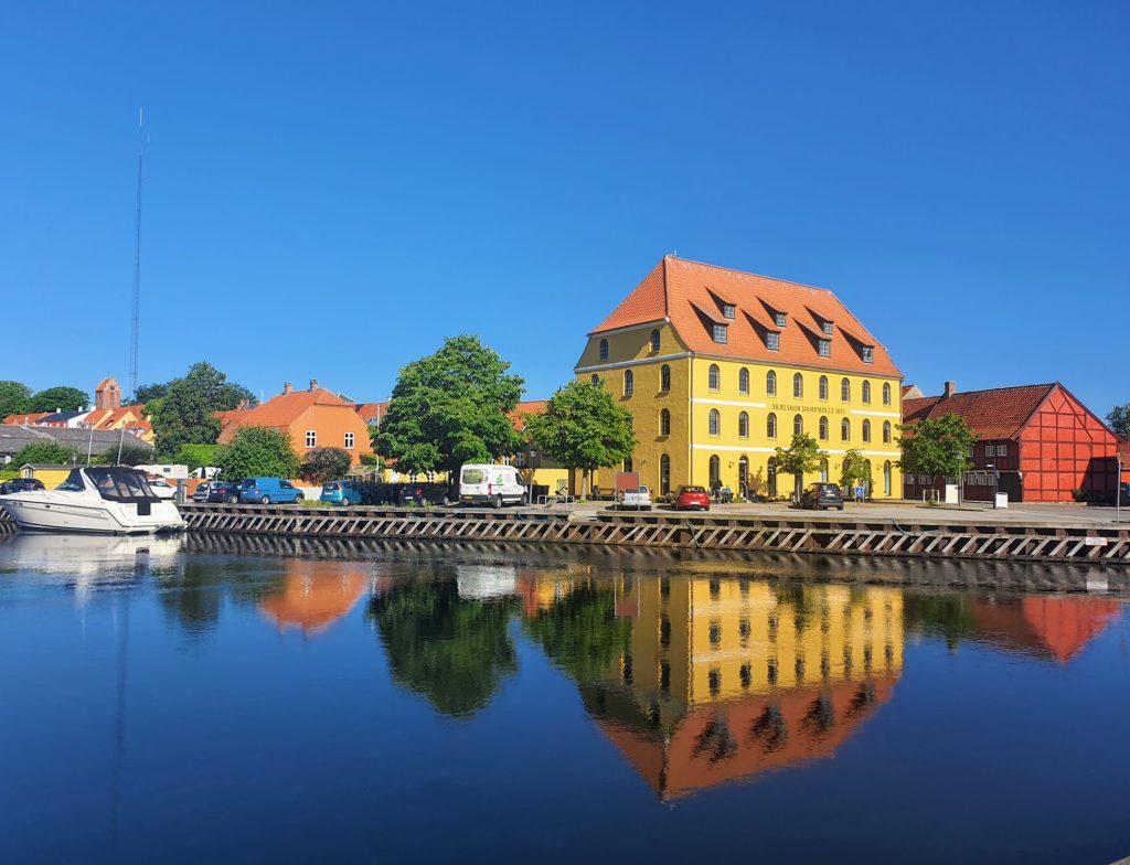 Skælskør Dampmølle (1853) er den ældste, bevarede industribygning i Skælskør.